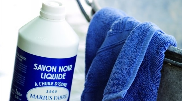 Black Soap, a 100% natural plant productLe savon noir, un produit 100% végétal